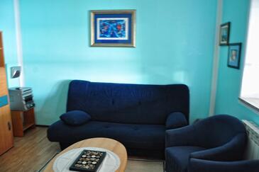 Supetarska Draga - Gornja, Camera di soggiorno nell'alloggi del tipo apartment, animali domestici ammessi e WiFi.