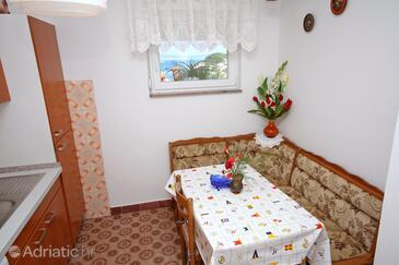 Kampor, Jídelna v ubytování typu apartment, domácí mazlíčci povoleni a WiFi.