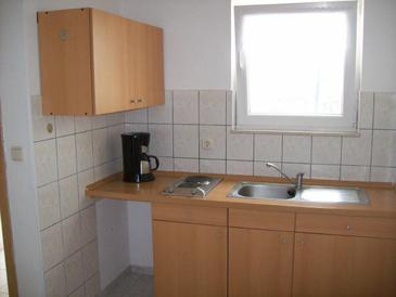 Jezera, Kitchen in the apartment, air condition available, (pet friendly) and WiFi.