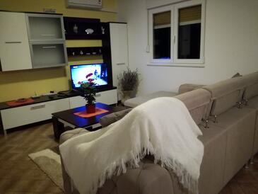 Supetarska Draga - Donja, Living room in the apartment, dostupna klima i WIFI.