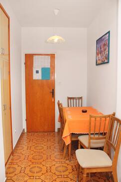 Palit, Jídelna v ubytování typu apartment, s klimatizací.