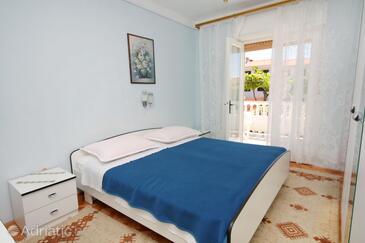 Palit, Spavaća soba u smještaju tipa room.