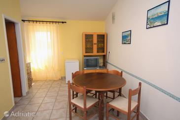 Jezera, Blagovaonica u smještaju tipa apartment, dostupna klima, kućni ljubimci dozvoljeni i WiFi.