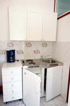 Kampor, Kitchen in the studio-apartment, WIFI.