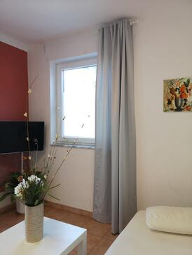 Banjol, Obývací pokoj v ubytování typu apartment, domácí mazlíčci povoleni a WiFi.