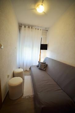 Mundanije, Living room in the apartment, dostupna klima i WIFI.