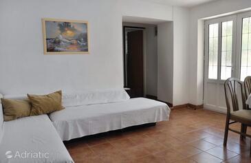Mundanije, Pokój dzienny w zakwaterowaniu typu apartment, Dostępna klimatyzacja i WiFi.