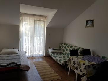 Jezera, Living room in the apartment, air condition available and (pet friendly).