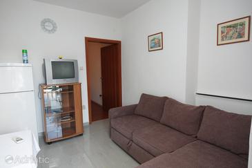 Betina, Living room in the studio-apartment.