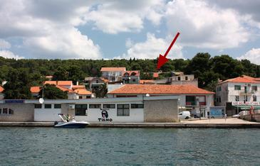 Tisno, Murter, Objekt 5094 - Ubytování v blízkosti moře s oblázkovou pláží.