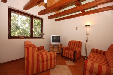 Tisno, Obývací pokoj v ubytování typu house, s klimatizací, domácí mazlíčci povoleni a WiFi.