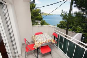 Apartments by the sea Tisno, Murter - 5111