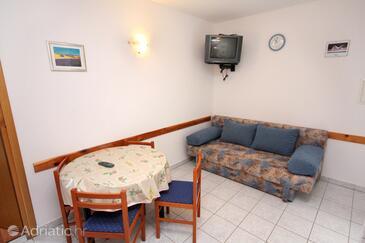 Tisno, Jídelna v ubytování typu apartment, s klimatizací a WiFi.