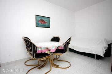 Murter, Dining room in the apartment, dostupna klima, dopusteni kucni ljubimci i WIFI.