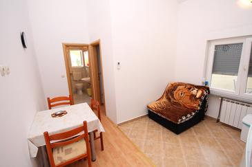 Murter, Dining room in the apartment, dostupna klima i WIFI.