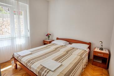 Tisno, Bedroom in the room, dopusteni kucni ljubimci i WIFI.
