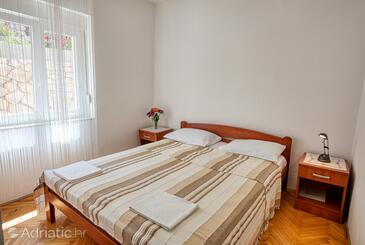 Tisno, Bedroom in the room, (pet friendly) and WiFi.