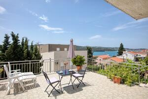 Apartments by the sea Tisno, Murter - 5130