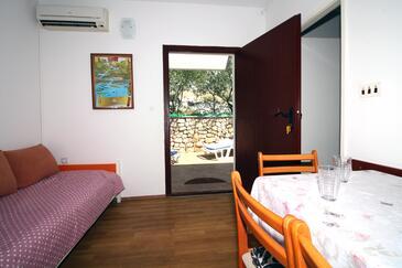 Tisno, Гостиная в размещении типа apartment, доступный кондиционер, Домашние животные допускаются и WiFi.