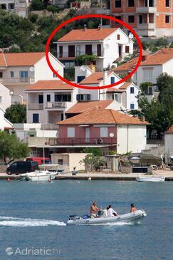 Tisno, Murter, Objekt 5136 – Apartmaji v bližini morja.