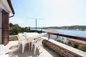 Apartments by the sea Tisno, Murter - 5142