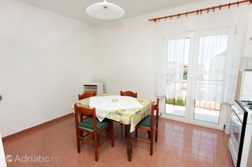 Primošten, Dining room in the apartment.