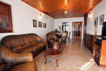 Pisak, Pokój dzienny w zakwaterowaniu typu apartment, dostupna klima i WIFI.