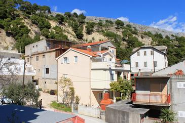 Krilo Jesenice, Omiš, Property 5159 - Apartments near sea with pebble beach.