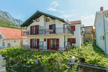 Podaca, Makarska, Property 516 - Apartments near sea with pebble beach.