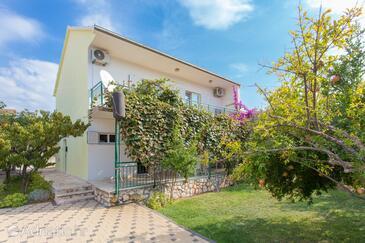 Poljica, Trogir, Объект 5161 - Дом для отдыха вблизи моря с галечным пляжем.