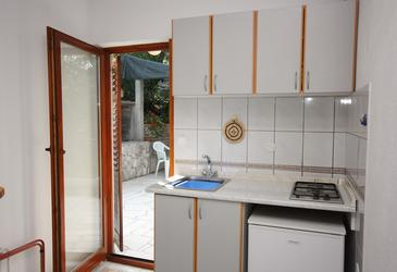 Uvala Piškera, Kitchen in the studio-apartment, WIFI.