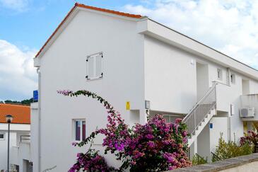 Nečujam, Šolta, Obiekt 5178 - Apartamenty ze żwirową plażą.