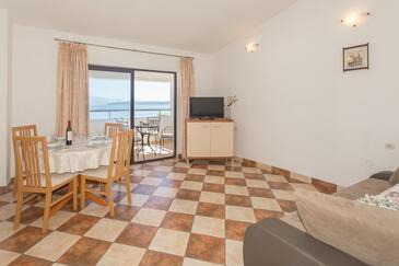 Stomorska, Wohnzimmer in folgender Unterkunftsart apartment, Klimaanlage vorhanden, Haustiere erlaubt und WiFi.