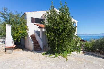 Stomorska, Šolta, Property 5179 - Apartments by the sea.