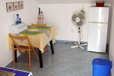 Maslinica, Dining room in the studio-apartment, WIFI.
