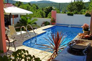 Family friendly apartments with a swimming pool Maslinica, Šolta - 5180