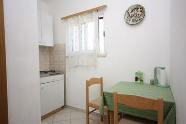 Maslinica, Jedáleň v ubytovacej jednotke apartment, WIFI.