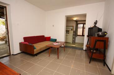 Nečujam, Living room in the apartment, dostupna klima i dopusteni kucni ljubimci.