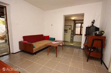 Nečujam, Living room in the apartment, air condition available and (pet friendly).