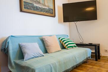 Stomorska, Living room in the apartment, air condition available and WiFi.