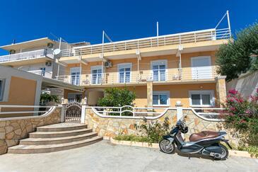 Gradac, Makarska, Obiekt 5198 - Apartamenty ze żwirową plażą.