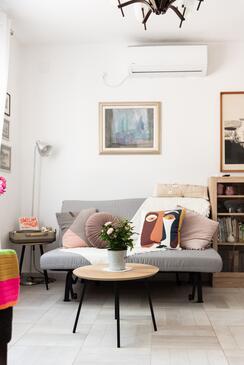 Žrnovska Banja, Obývacia izba v ubytovacej jednotke apartment, dostupna klima, dopusteni kucni ljubimci i WIFI.