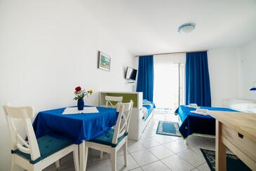 Selce, Dining room in the studio-apartment, WIFI.