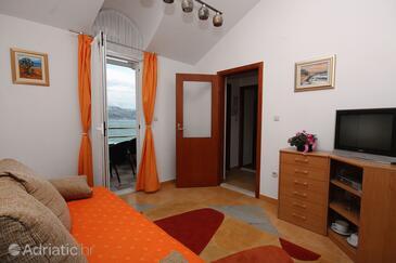 Slatine, Obývací pokoj v ubytování typu apartment, WiFi.