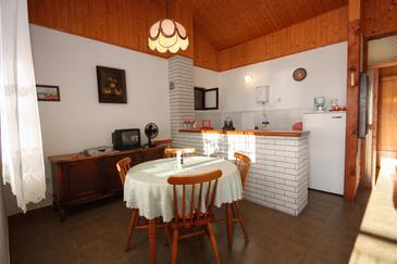Sevid, Sala da pranzo nell'alloggi del tipo apartment, condizionatore disponibile, animali domestici ammessi e WiFi.