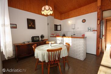 Sevid, Dining room in the apartment, dostupna klima i dopusteni kucni ljubimci.
