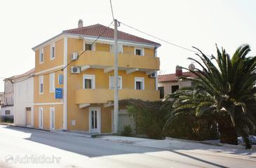 Podstrana, Split, Property 5226 - Apartments near sea with pebble beach.