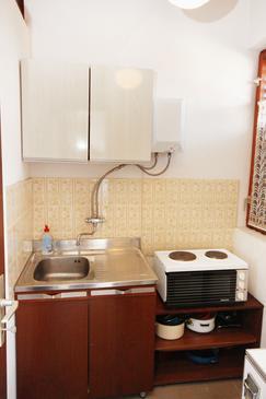 Trogir, Konyha szállásegység típusa studio-apartment, háziállat engedélyezve és WiFi .