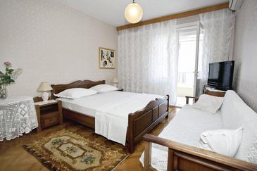Makarska, Bedroom in the room, dopusteni kucni ljubimci i WIFI.