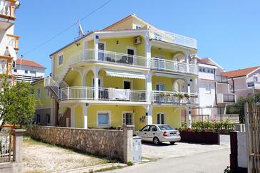 Vodice, Vodice, Объект 5237 - Апартаменты с галечным пляжем.